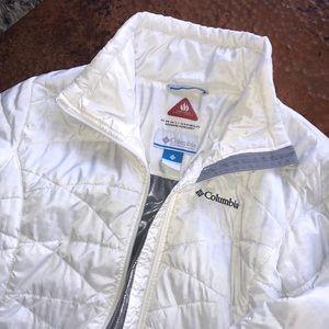 {Columbia} White Puffer Jacket. Size M. EUC.